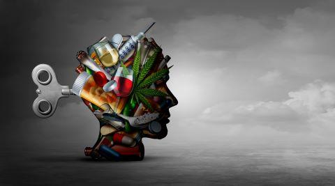 Mehrere Drogen abgebildet mit verschiedenen Drogen die süchtig machen können