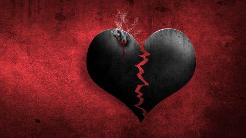 Schwarzes Herz zerreißt wegen Trennungsschmerzen